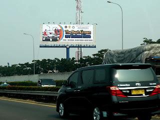 Penyedia Pemasangan billboard dan baliho tol bandara,billboard advertising,backdrop,harga pembuatan backdrop