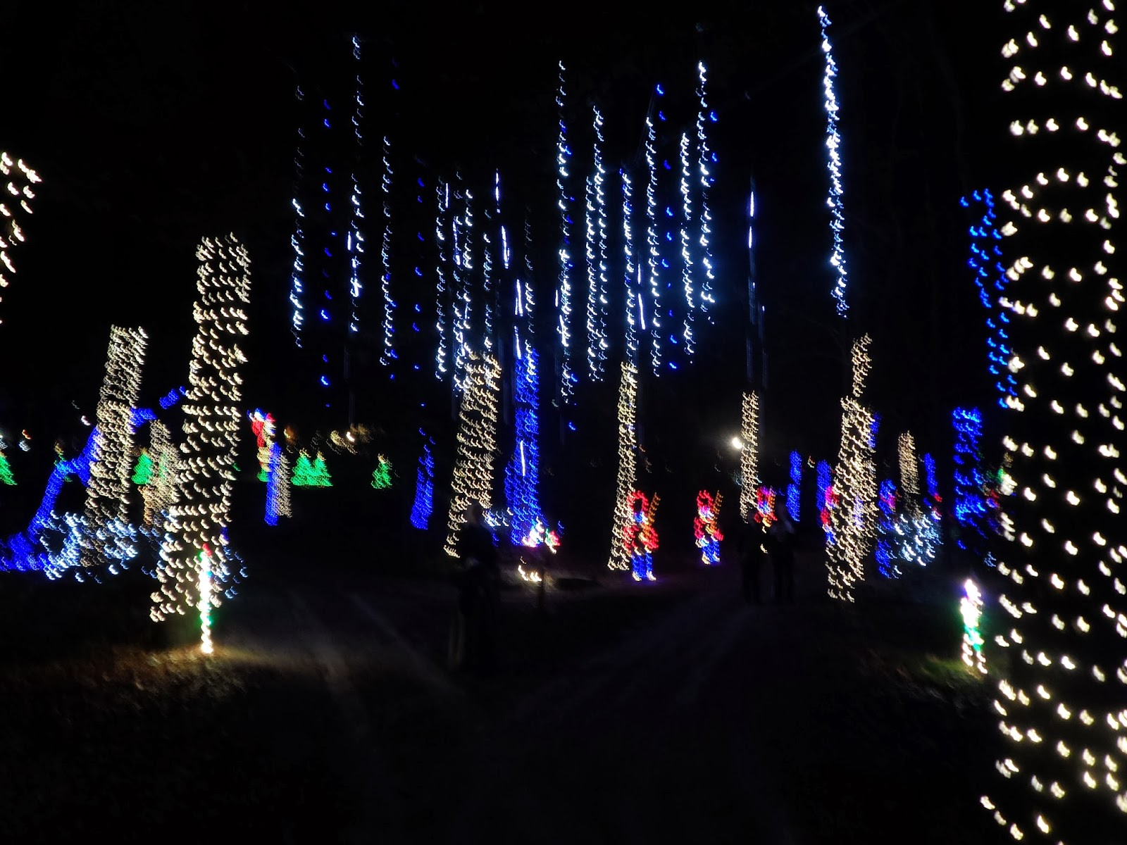 noccalula falls park campground christmas at the falls. noccalula ...