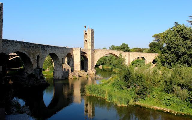 Puente románico de Besalú-Gerona