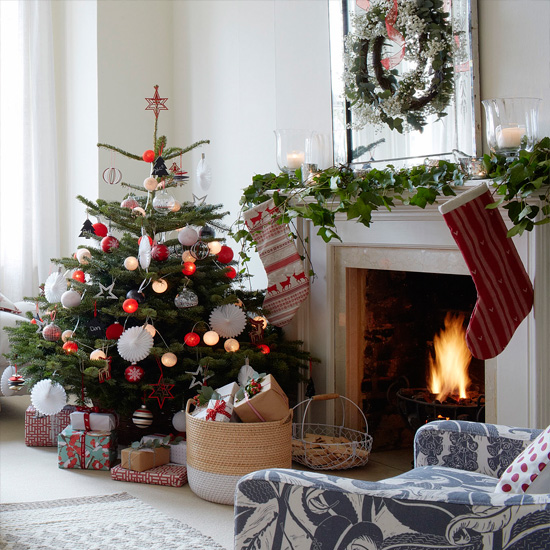 Tree Of Life Fireplace Surround: 36 Ways To Decorate The Christmas Fireplace Mantel
