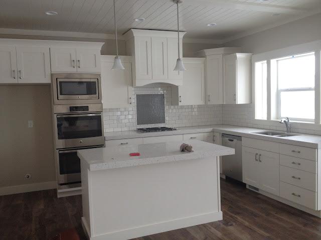 house tour: white kitchen