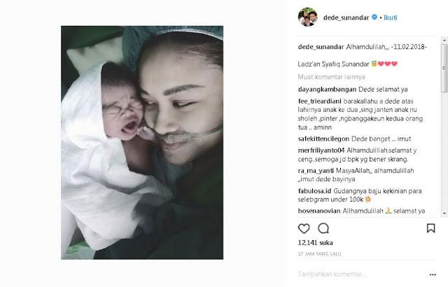 Sungguh Tega, Baru Lahirkan Anak Kedua, Dede Dinyinyir Netizen Perihal Wajah Anaknya.