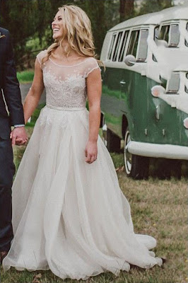 Vestido de Noiva Manga Curta Bordado
