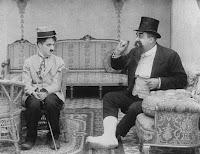 """Кадр из фильма Чарли Чаплина """"Лечение"""" (1917) - 6"""