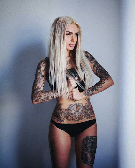 25 Super Sexy Stomach Tattoos For Women