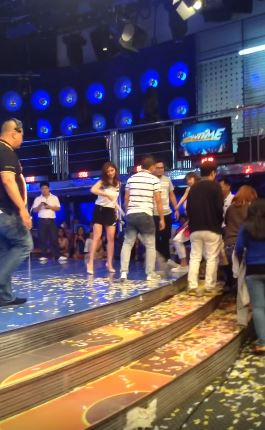 Angel Locsin Was Spotted Humbly Cleaning The Floor Of It's Showtime Studio