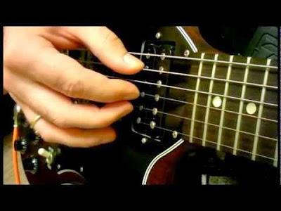 cara mudah bermain gitar