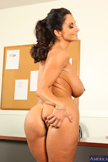 Ava-Addams-%3A-Fucking-in-the-desk-with-her-bubble-butt-%23%23-NAUGHTY-AMERICA-y6vw0o3b7h.jpg