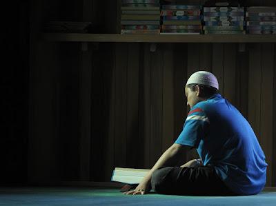 Kata siapa membaca Al Quran bikin habis waktu