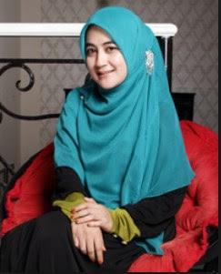 Hijab Ala Pipik Dian Irawati