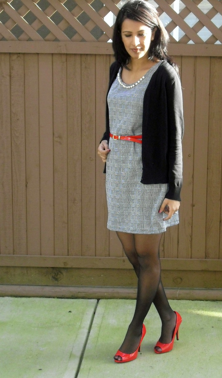 Fabulous Dressed Blogger Woman Ray