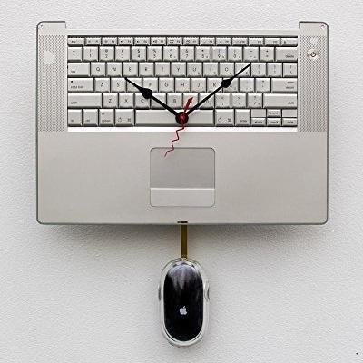 Jam dinding dari recycle Macbook Pro keyboard dan mouse bekas