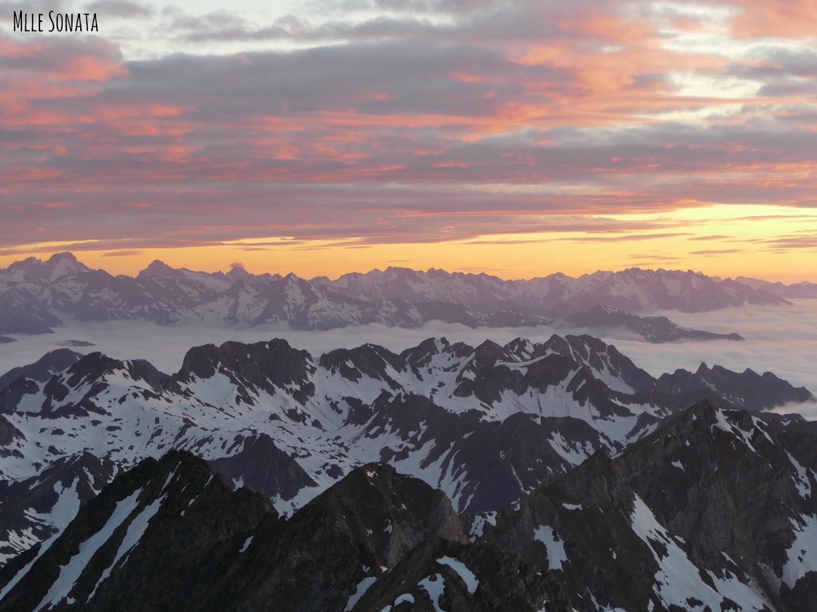 Coucher de soleil vue du Pic du Midi
