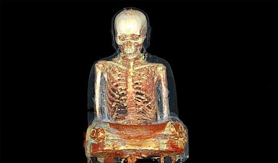 Estátua Múmia de monge