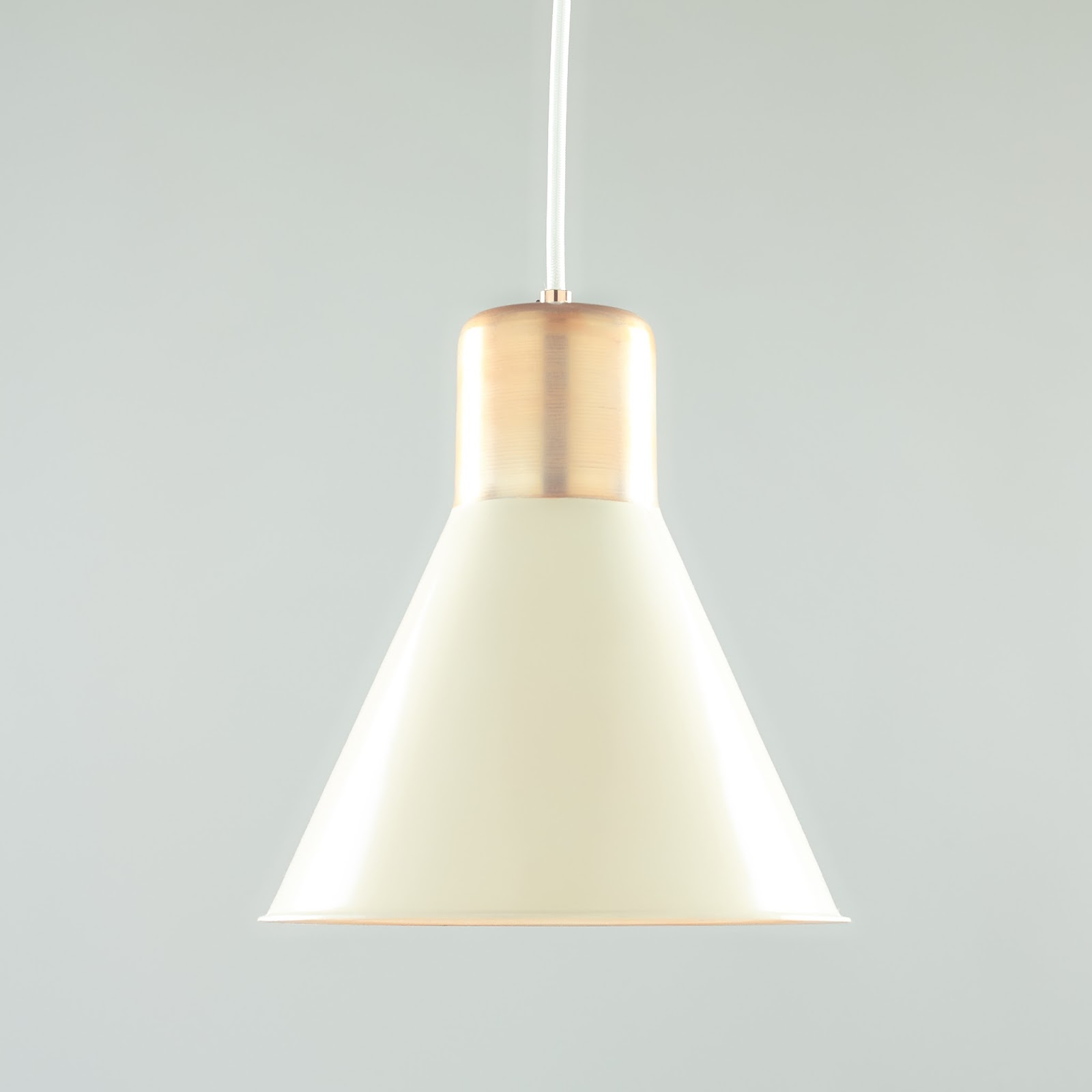 Luminaire authentik industriel et contemporain nana for Luminaire contemporain