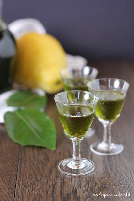 digestivo alle foglie di limone e alloro.. beviamoci su!