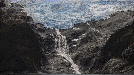 SOS ΑΠΟ ΕΠΙΣΤΗΜΟΝΕΣ: Το λιώσιμο των πάγων θα «ξυπνήσει» μή αντιμετωπίσιμους ιούς εκατομμυρίων ετών
