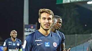 اللاعب الجزائري مهدي مرغم رسميا إلى نادي غانغون الفرنسي