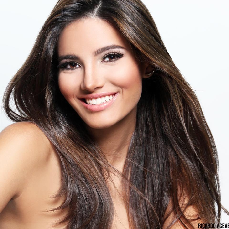Foto Model Stephanie Del Valle