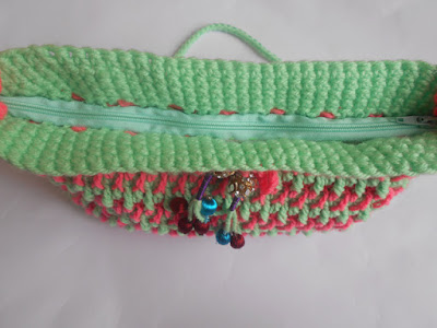 ladies-fancy-bag-crosia-crochet-handmade-pattern-design-free-purse
