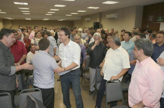 Em primeiro ato oficial de pré-campanha, Camilo reúne 119 prefeitos e anuncia jantar para arrecadar recursos no dia 30