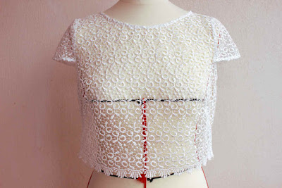 robe de mariage par créatrice couturière sur mesure à Versailles 78