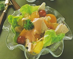 Vištienos salotos su vaisias