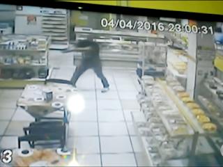 RJ: Sargento da PM é assassinado a tiros dentro de padaria. Veja o Vídeo