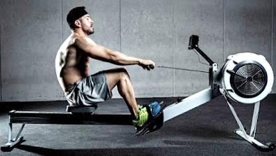 El remo como ejercicio para quemar grasa a diario