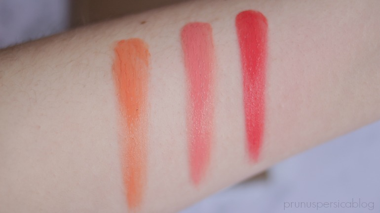 Stila Convertible Color Palette Field of Florals - all shades (todos los tonos). Gladiola, Peach Blossom, Hibiscus swatches.