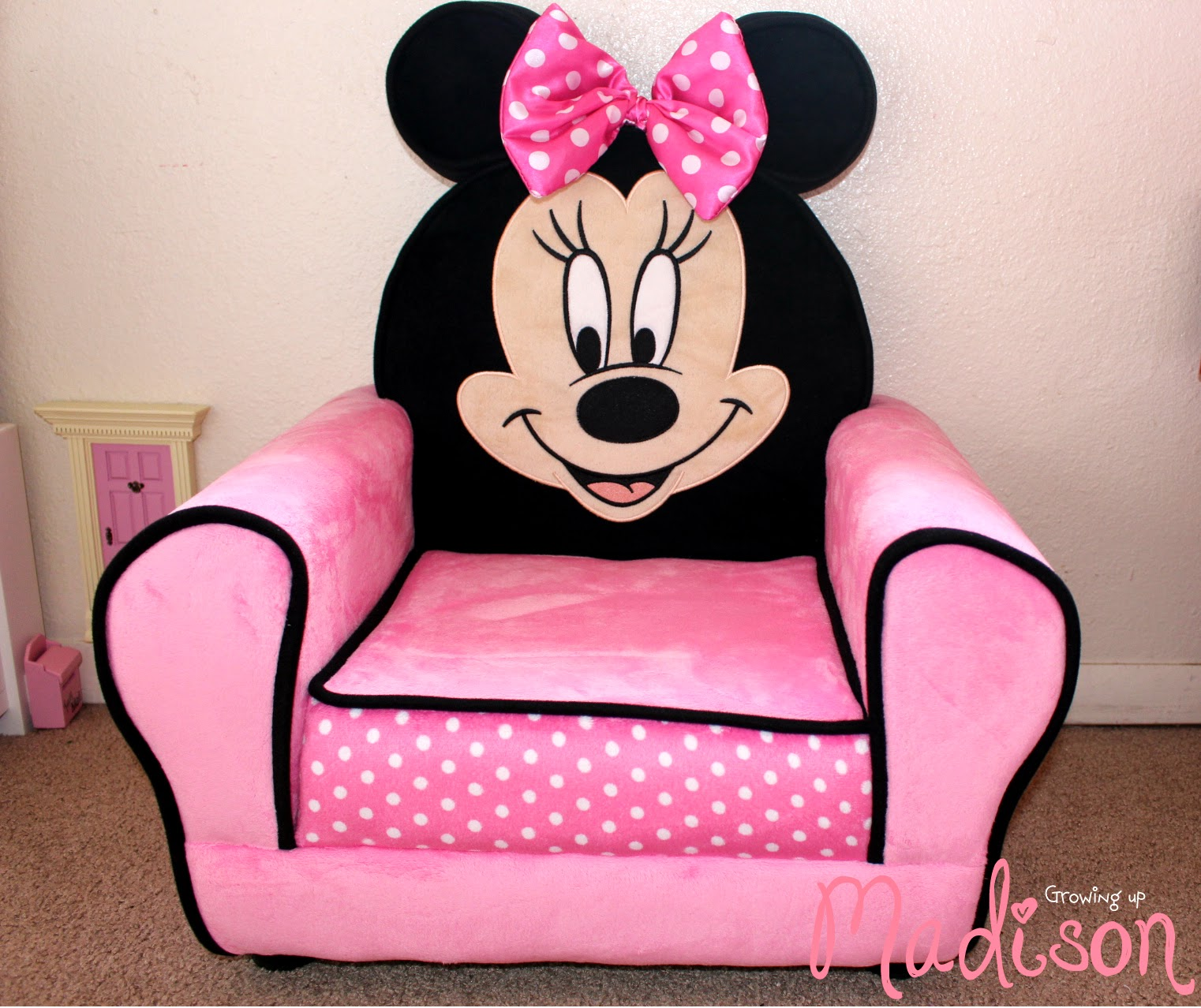 Minnie Mouse Recliner Chair Lounge Chairs For Pool Deck Delta Children Furniture Perfect Any Child 39s Room