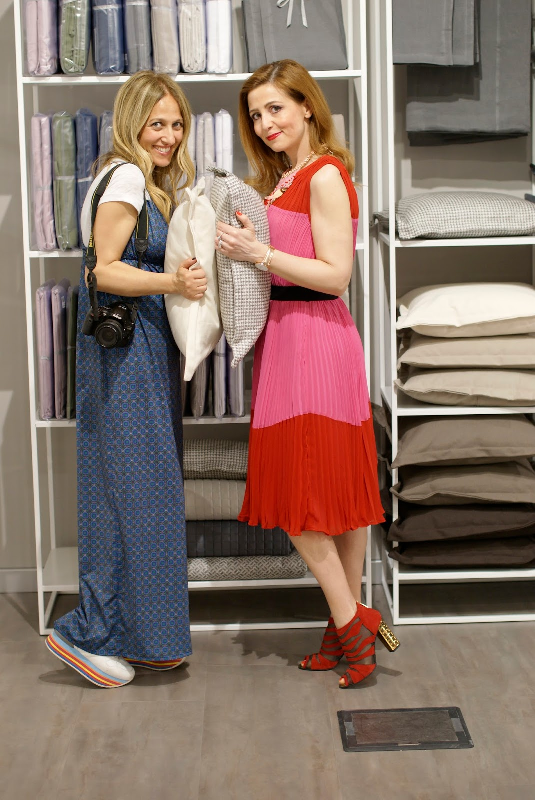 Angela and Vale at Dorelan showroom on Fashion and Cookies fashion blog, fashion blogger style