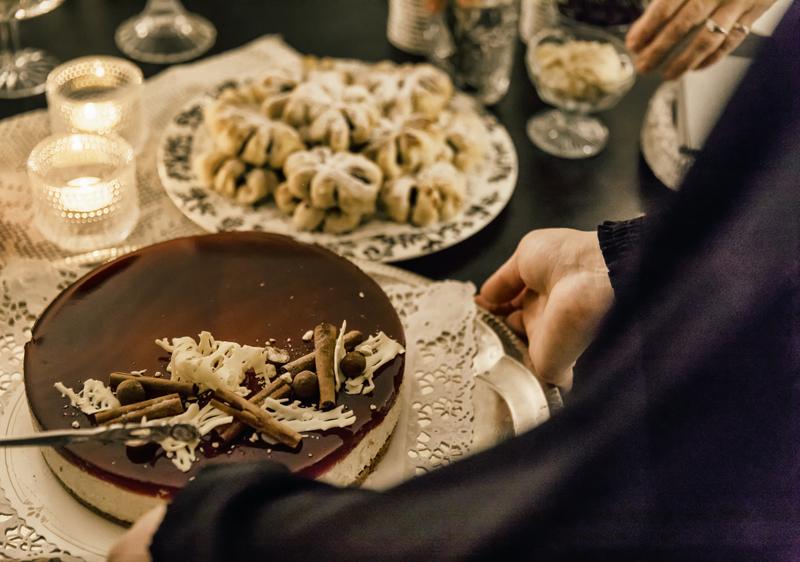 pikkujoulu, joulu, tunnelma, Visualaddict, Tiina H, blogi, Savonlinna, kakku, tarjoilu