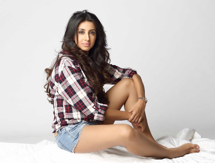 Kannada Actress Sanjjanaa New Hot photos
