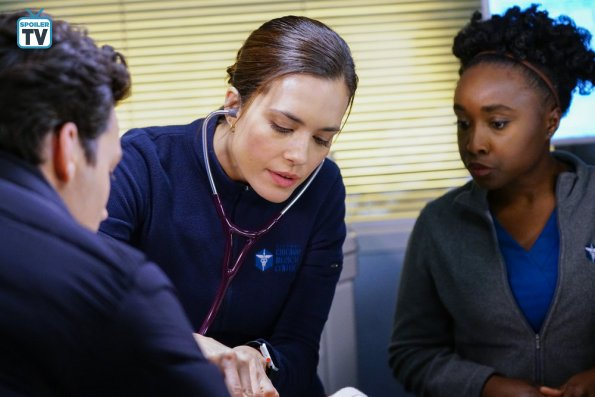 """NUP 185817 0404 595 Spoiler%2BTV%2BTransparent - Chicago Med (S04E14) """"Can't Unring That Bell"""" Episode Preview"""