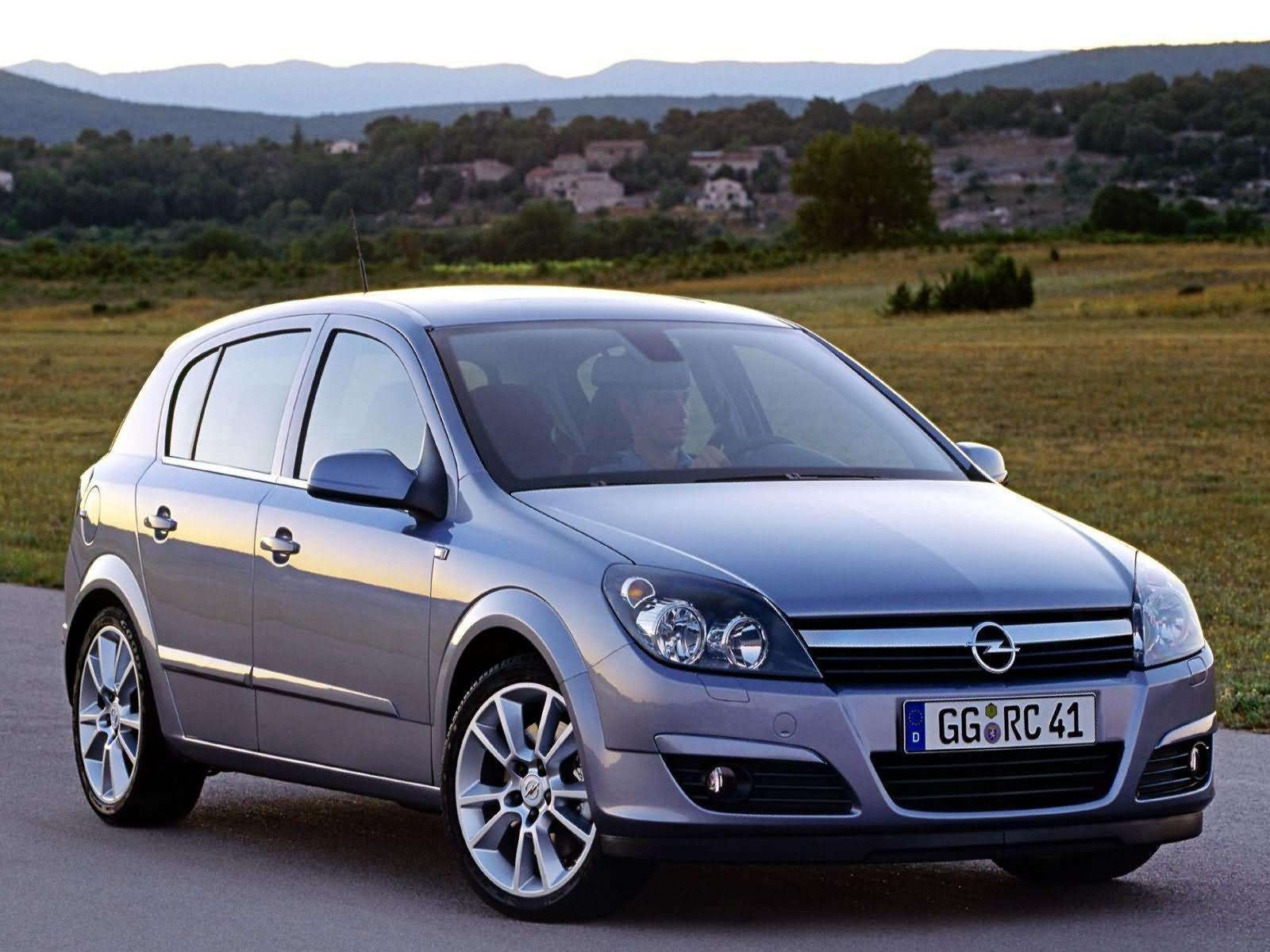 car and car zone opel astra 2004 new cars car reviews car pictures and auto industry trends. Black Bedroom Furniture Sets. Home Design Ideas