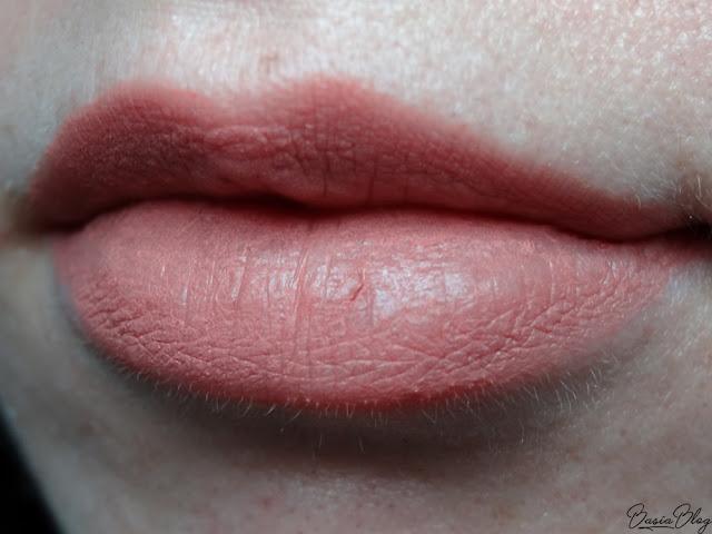 Zoeva Pure Velour Lips Pale Plethora, matowa pomadka Zoeva, pomadka brzoskwiniowy róż