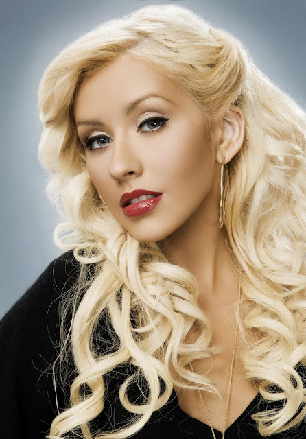 Christina Aguilera Sexy stills and hot photos