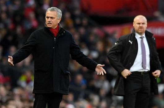 """MU – Mourinho sẽ tỏa sáng: Sir Alex Ferguson ủng hộ """"dựng xe buýt"""" 1"""