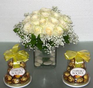 Rangkaian Bunga Dan Coklat ferrero Rocher
