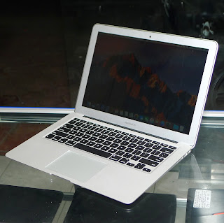 "MacBook Air 13"" Core i5 Early 2015 Second"