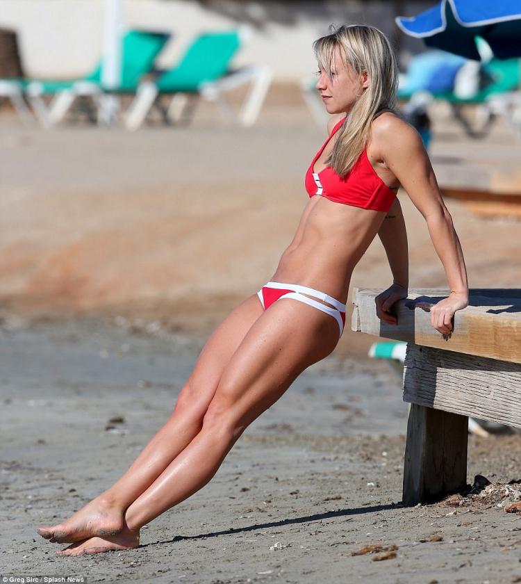 Fitness model Chloe Madeley in bikini