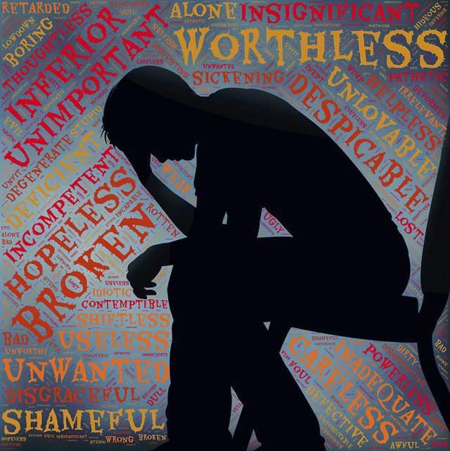 Học sinh tự tử vì áp lực: không ai nghe thấy lời cầu cứu? - Ảnh 1