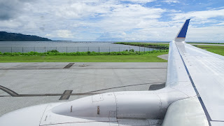 Plane from Marshall Islands lands in Kosrae and then continues to Pohnpei