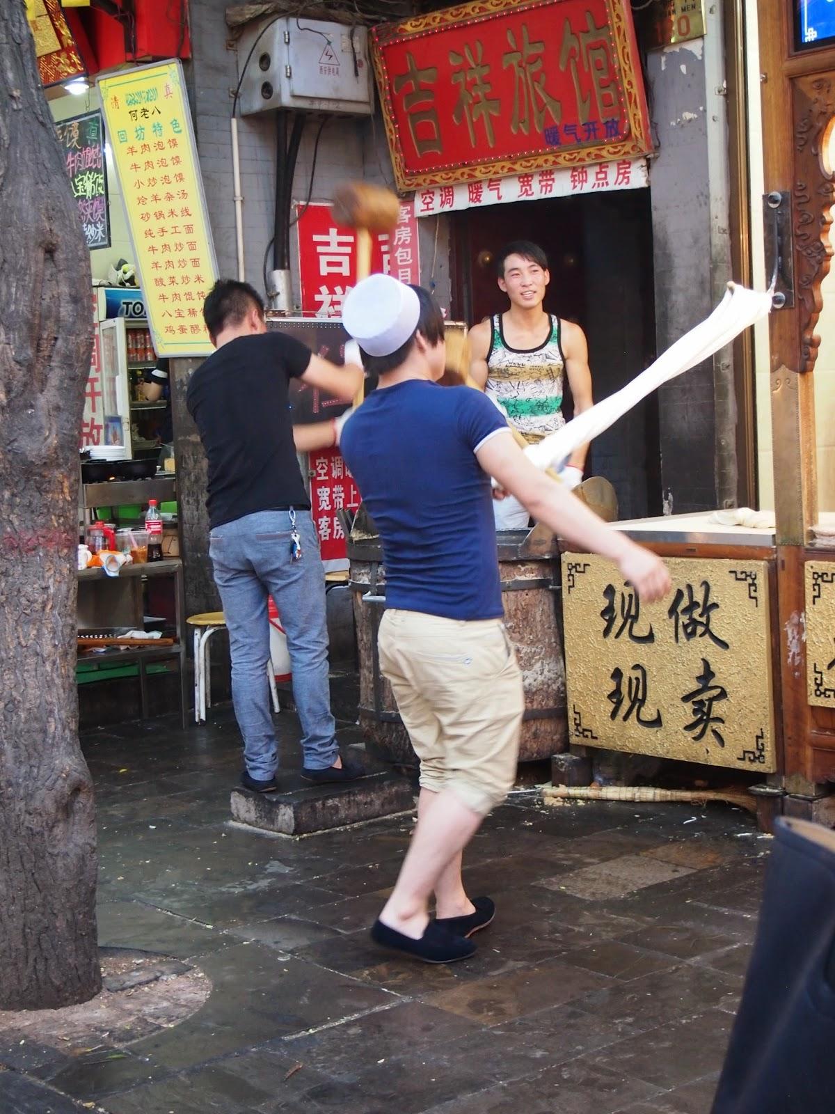pulling peanut brittle in Xi'an