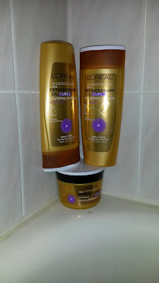 I received a free sample of L'Oreal Paris Extraordinary Oil Treatment for Curls. It included shampoo, conditioner and a mask.