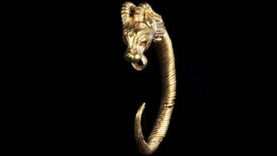 Une boucle d'oreille en or rarissime découverte à Jérusalem