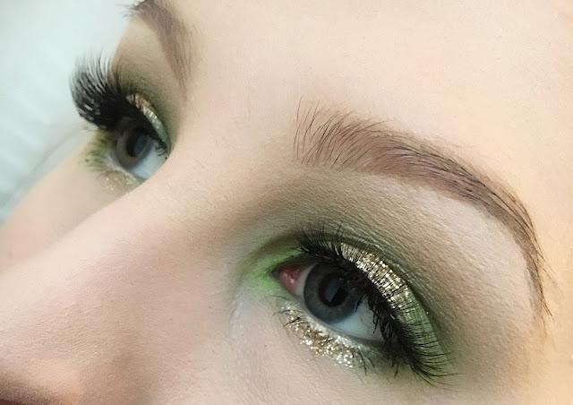Juhlakauden meikki-inspiraatio – Jouluinen silmämeikki