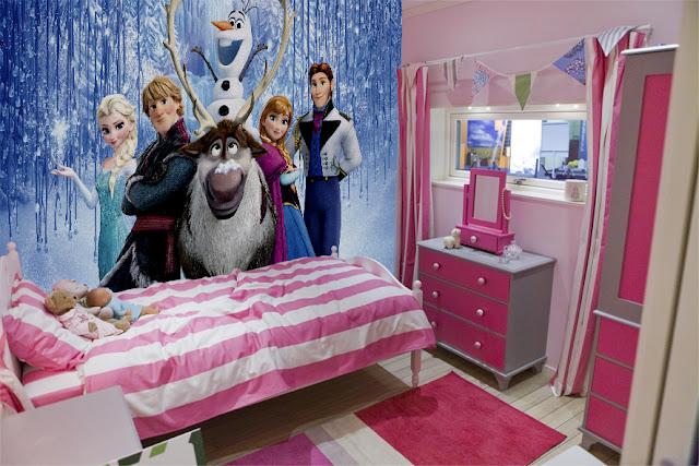 Tapetti Lastenhuoneeseen - Disney Frozen valokuvatapetti lapsia