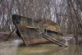 Kapal hantu berusia 70 tahun